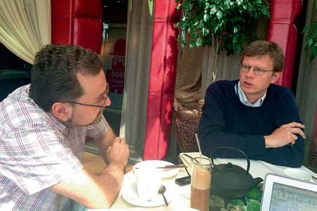 Михаил Лукин (справа) уверен, что время коммерциализации квантовой физики наступило 048_expert_48.jpg Фото предоставлено Российским квантовым центром
