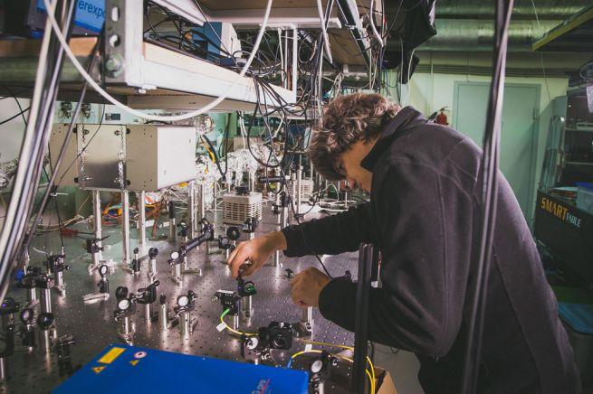 Физик Алексей Акимов о квантовых симуляторах, лазерном охлаждении и левитирующих поездах
