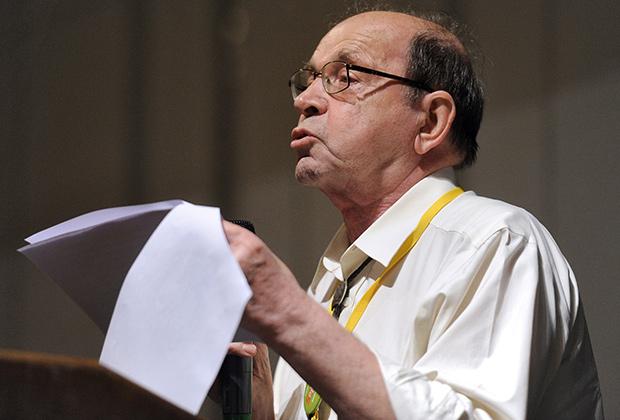 Директор Института физики высоких давлений, академик Сергей Стишов во время конференции