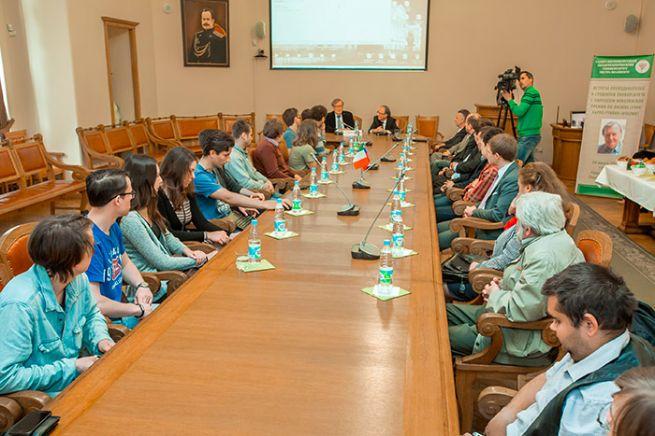 Лекция Карло Руббиа  «Ускорители будущего для физики астрочастиц» в СПбПУ