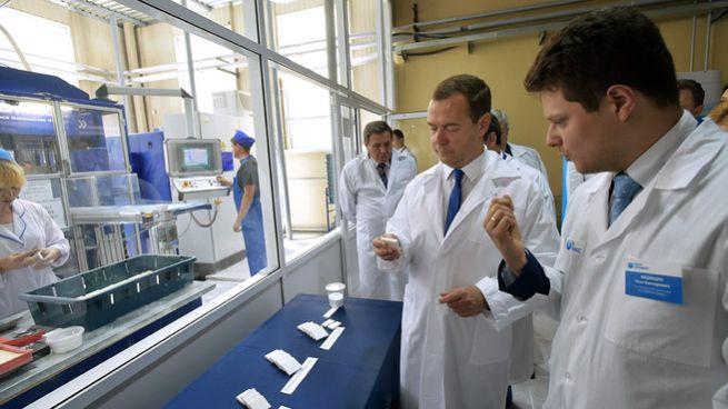 Экускурсия по производственным линиям и демонстрация образцов нанокерамики